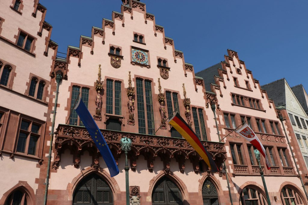 "The city hall of Frankfurt is called the ""Römer"""
