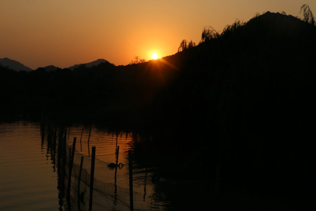 A wonderful day at Xianghu ends with a wonderful sunset