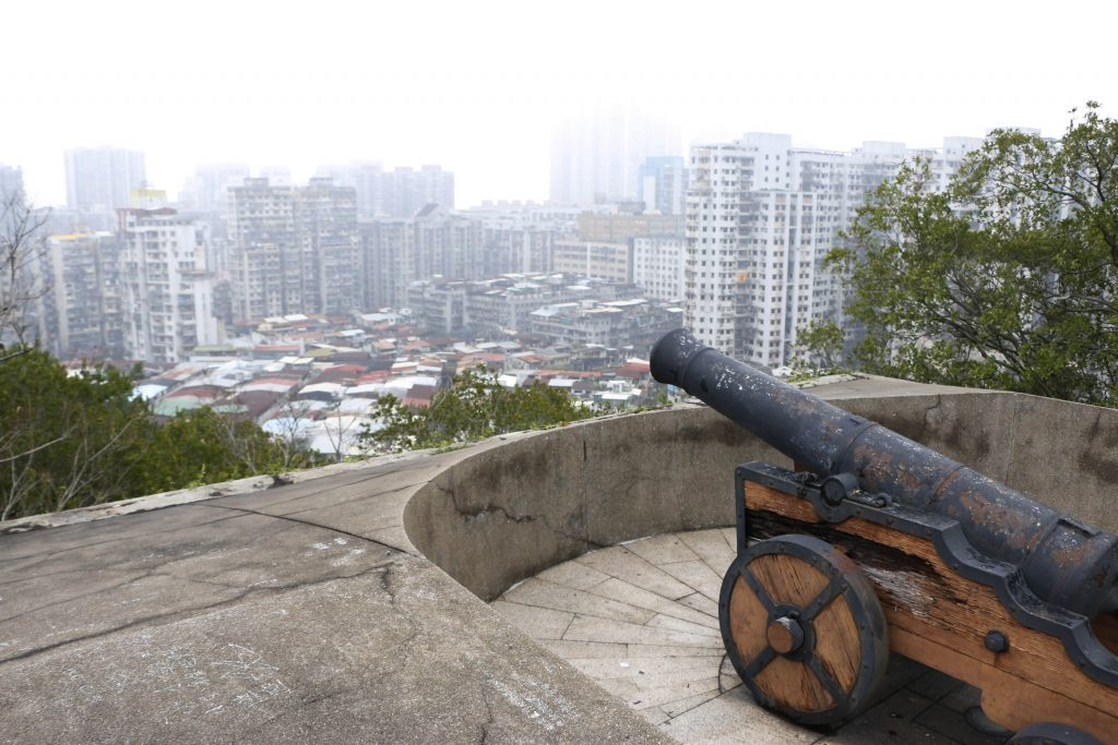 We visited Macau on a smoggy day but could see a big part of the northern Island