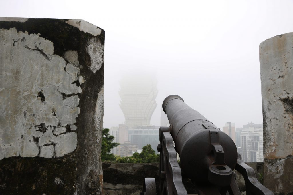It's hard to target a casino with the cannon if it so misty ...