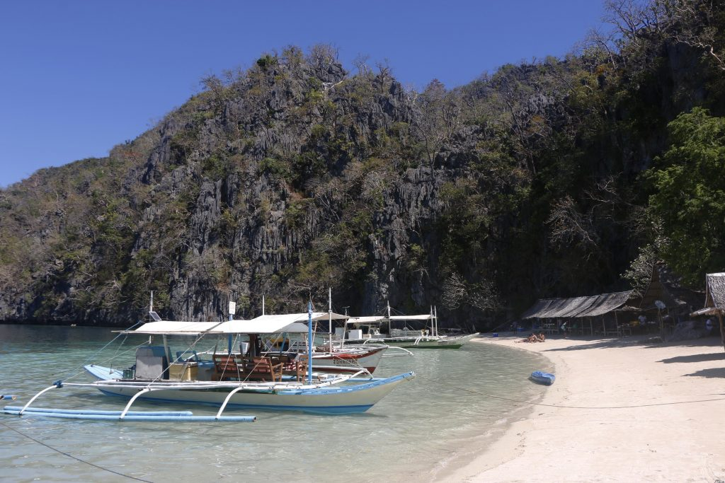 Banul Beach is a beach paradise in the West of Coron Island