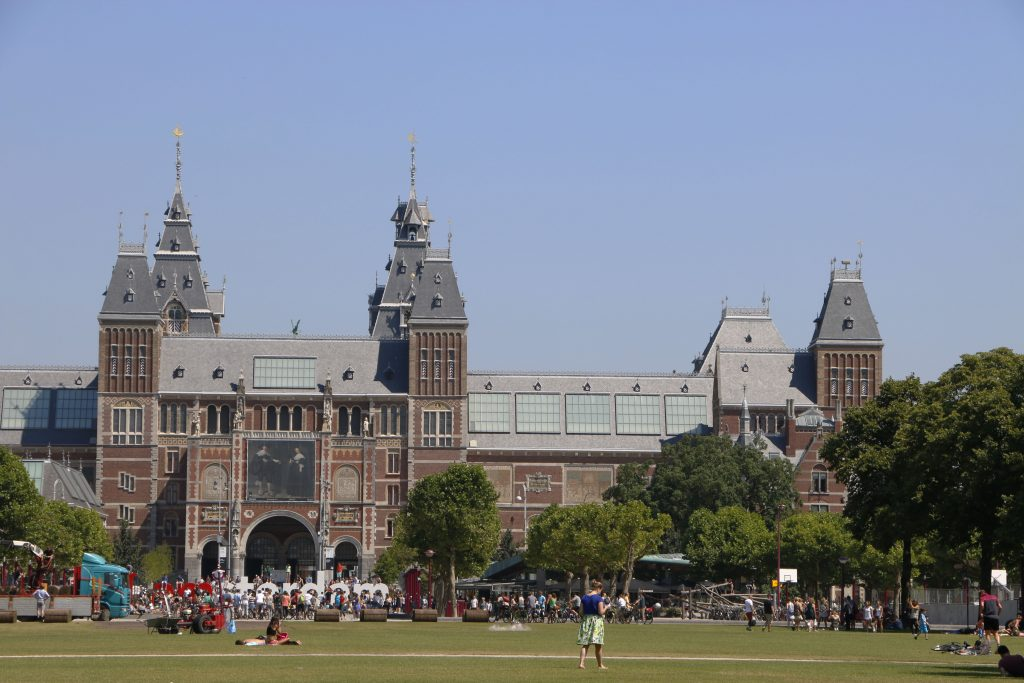 Around the Museumsplein you can find many of the museums here, especially the Rijksmuseum is the biggest collection of art featuring different artists.